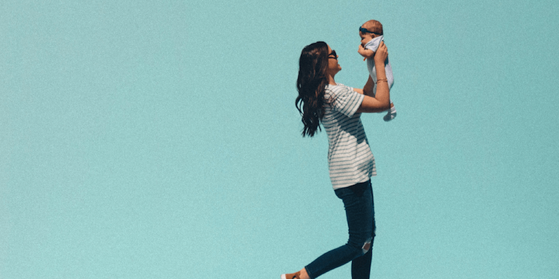 6 Postpartum Clothing Hacks That Don't Make You Look Pregnant